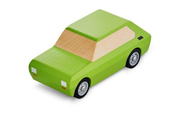 Maluch drewniany samochód dla dzieci